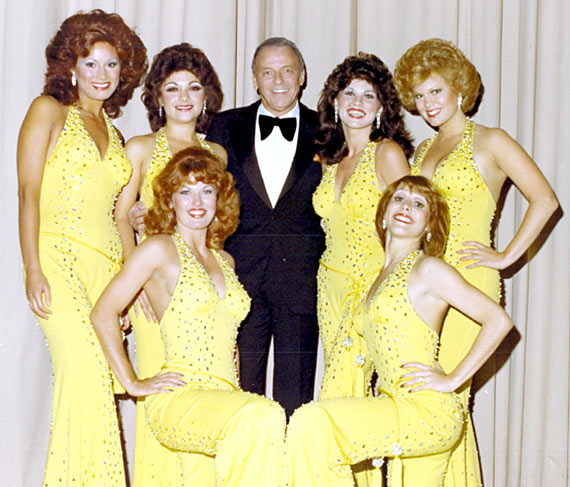 golddiggers book / The Golddiggers with Frank Sinatra